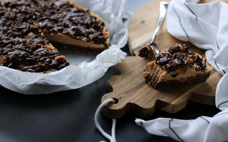 Guiltfree salted caramel snickers pie