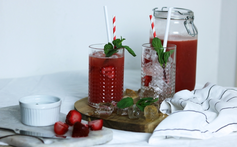 Strawberry mint Ice tea