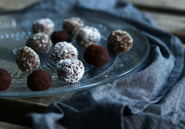 Super easy yoghurt choco truffels (slechts 3 ingrediënten!)
