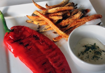 Fries before guys, frietjes before tietjes