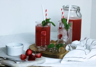 Strawberry mint Ice tea